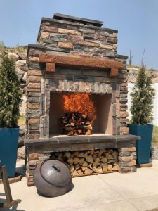 DIY outdoor fireplace fire